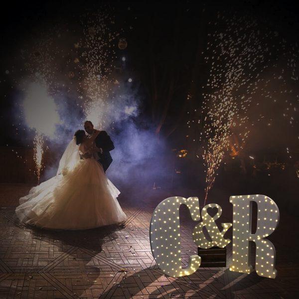 Letras iluminadas para bodas de corcho o poliespan