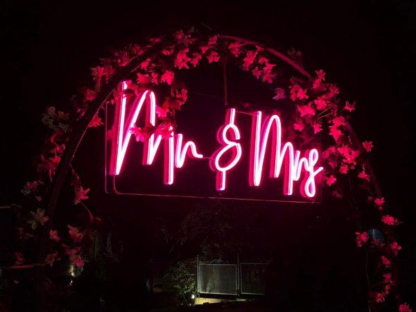 carteles de neon para bodas